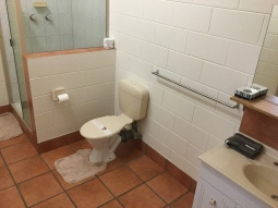 motel-room-toilet
